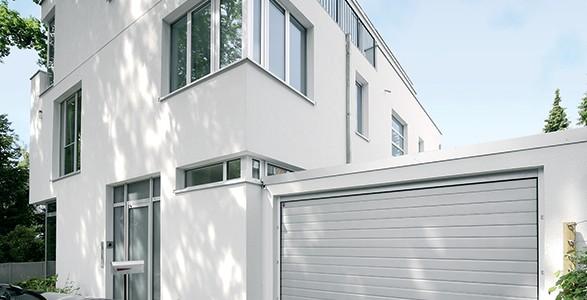 installazione-assistenza-tecnica-porte-garage-portoni-sezionali-portoni-basculanti-11